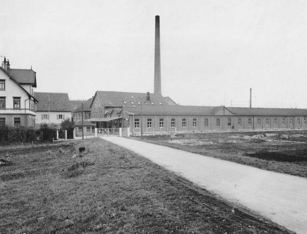 Das Gelände der Buntweberei Wurster in Eislingen, von der alten B10 aus betrachtet.