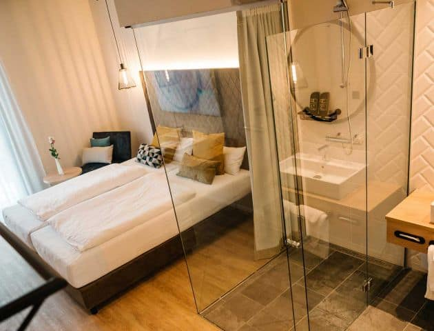 Gemütliche Zimmer im Industrial Design im Business-Hotel Loom in Eislingen bei Stuttgart im Landkreis Göppingen
