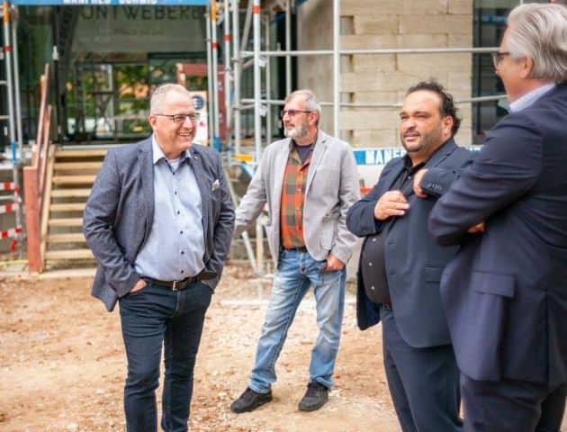 Andreas Brucker, Filippo Salvia und Dirk Jannausch beim Richtfest der Buntweberei in Eislingen
